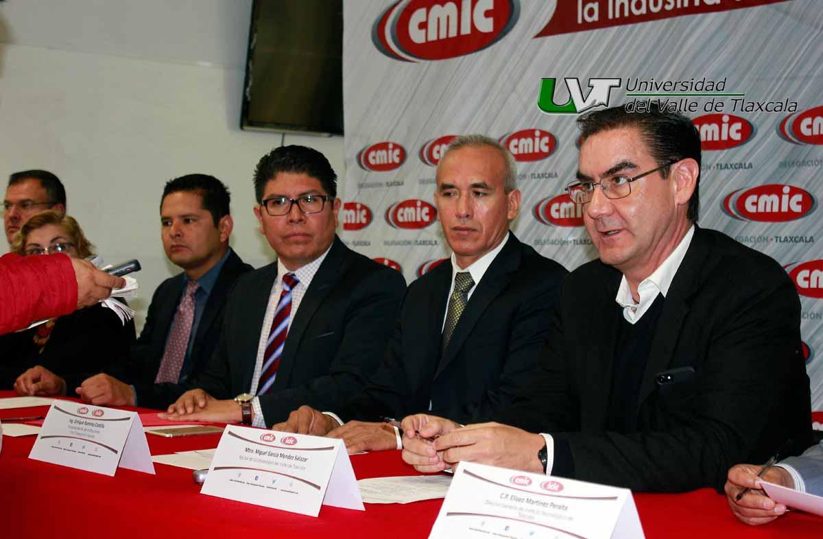 SE LLEVA A CABO FIRMA DE CONVENIO ENTRE LA UVT Y LA CMIC