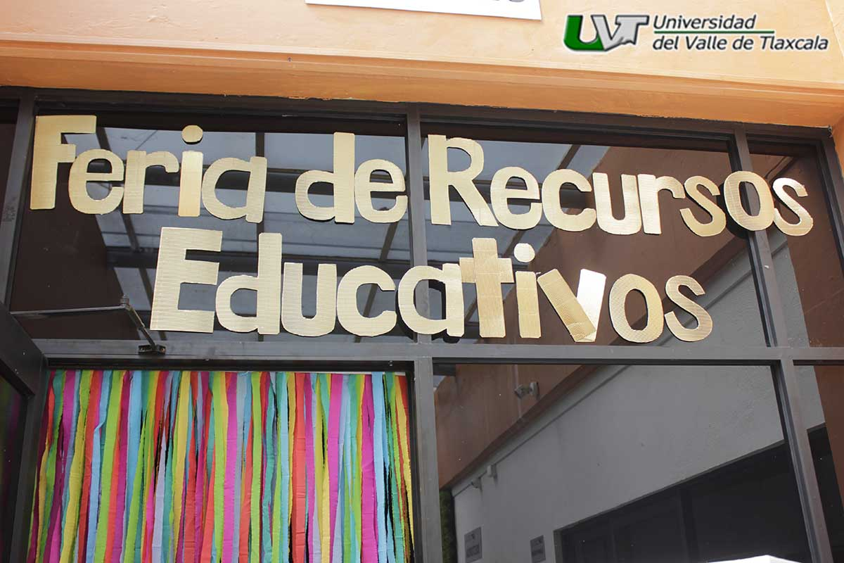 LENGUAS MODERNAS EXPONE RECURSOS EDUCATIVOS
