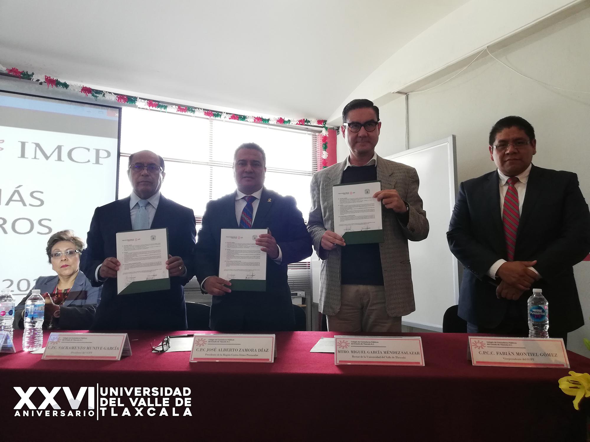 UVT REFRENDA CONVENIO CON COLEGIO DE CONTADORES PÚBLICOS DE TLAXCALA