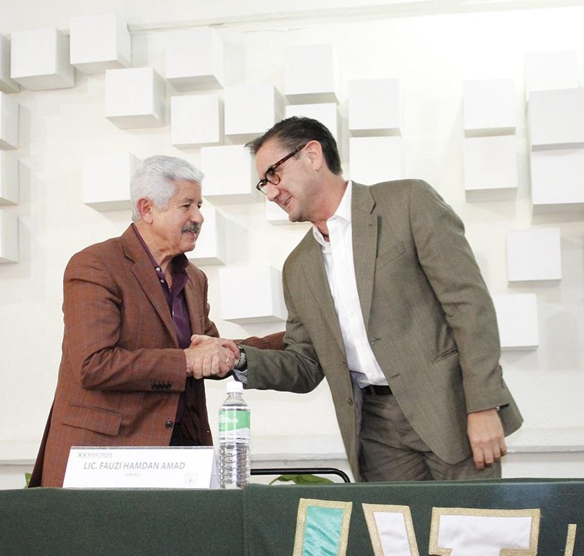 EX SENADOR PRESENTA CHARLA EN LA UVT