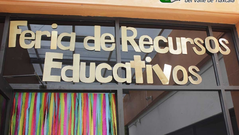 LENGUAS MODERNAS EXPONE RECURSOS EDUCATIVOS