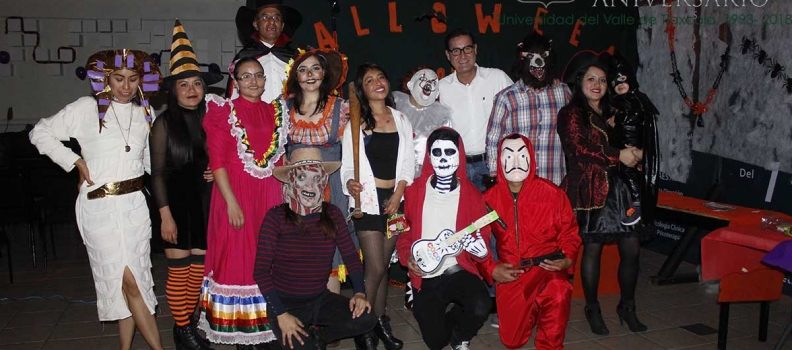 LENGUAS MODERNAS REALIZA HALLOWEEN PARTY