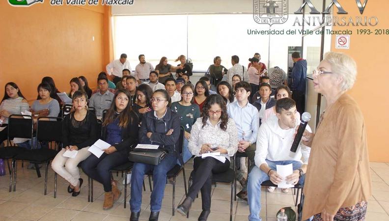 EL SERVICIO DE ADMINISTRACIÓN TRIBUTARIA PRESENTA PLÁTICA SOBRE SERVICIO SOCIAL