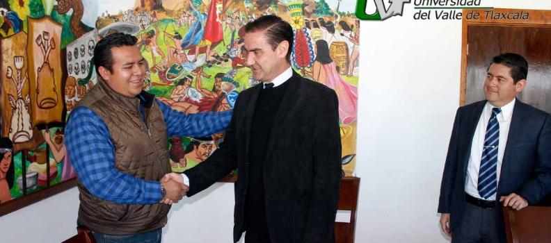 LA UVT SIGNA CONVENIO CON EL H. AYUNTAMIENTO DE TZOMPANTEPEC